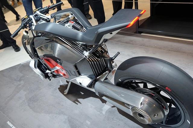 Le plaisir de la moto et le confort de l'électrique